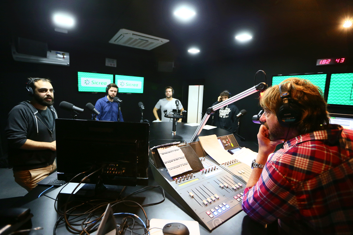 2017 - New studios are built for radios Atlântida, 102.3 and Farroupilha in Ipiranga Avenue, in Porto Alegre.